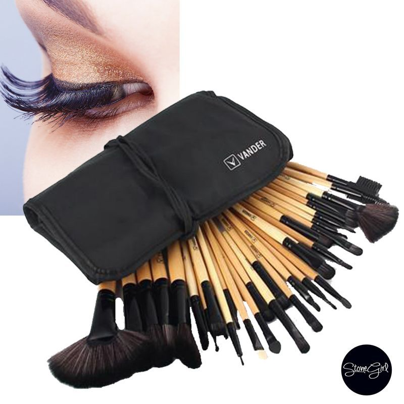 32 Piece animal cruelty free Makeup Brush Set With FREE Carrying Case. Everything you need to contour, highlight, smudge and create a gorgeous face.