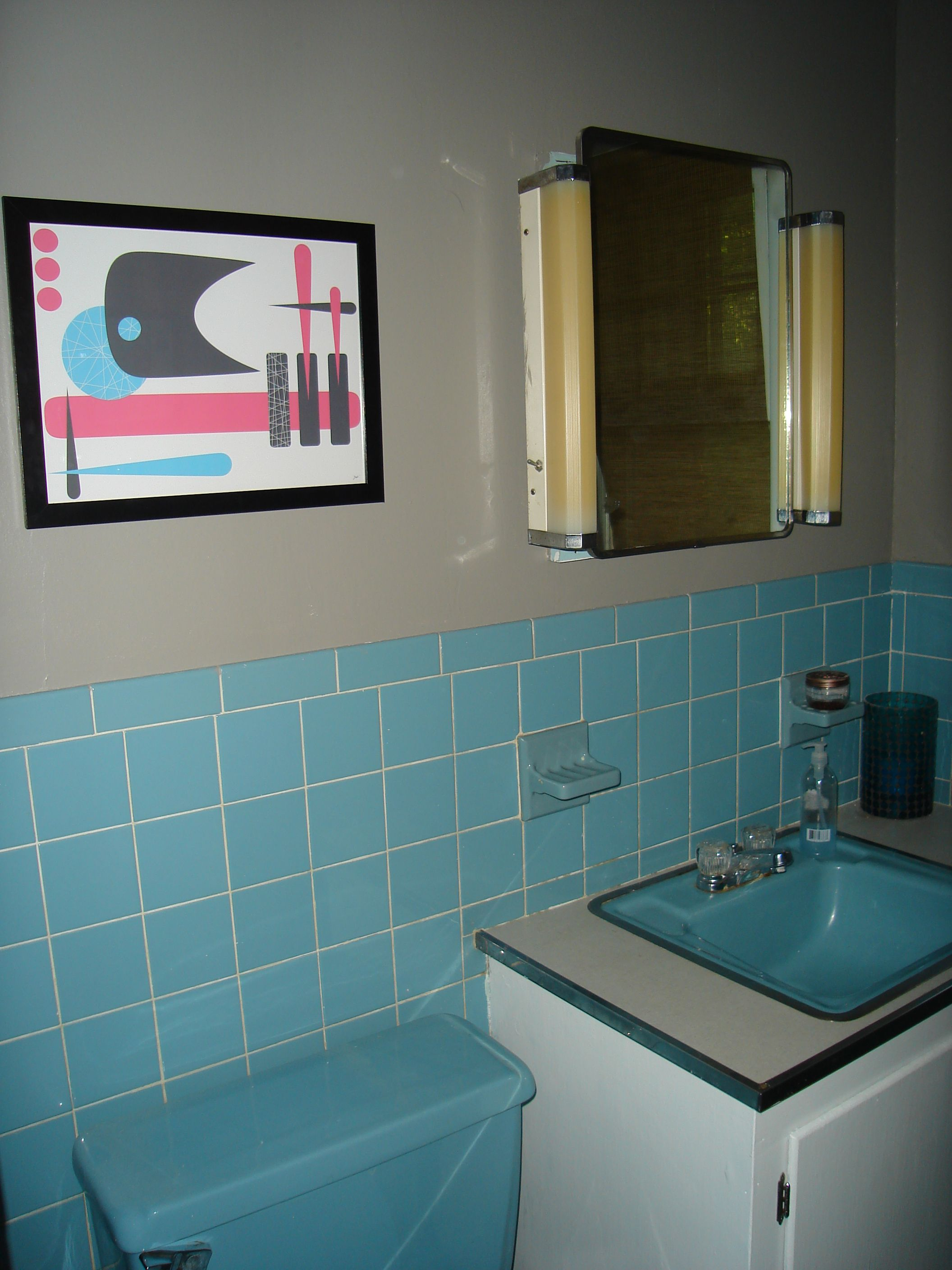 Retro Blue Bathroom Tile LOVE the artwork for pink-blue retro bathroom