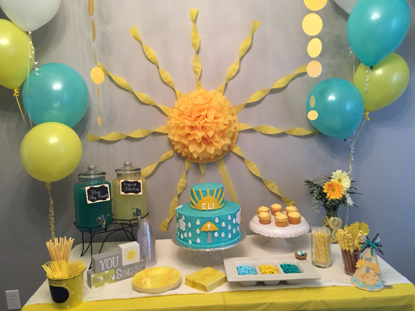 You Are My Sunshine Cake Table Sunshine First Birthday Sunshine Cake Sunshine Baby Showers