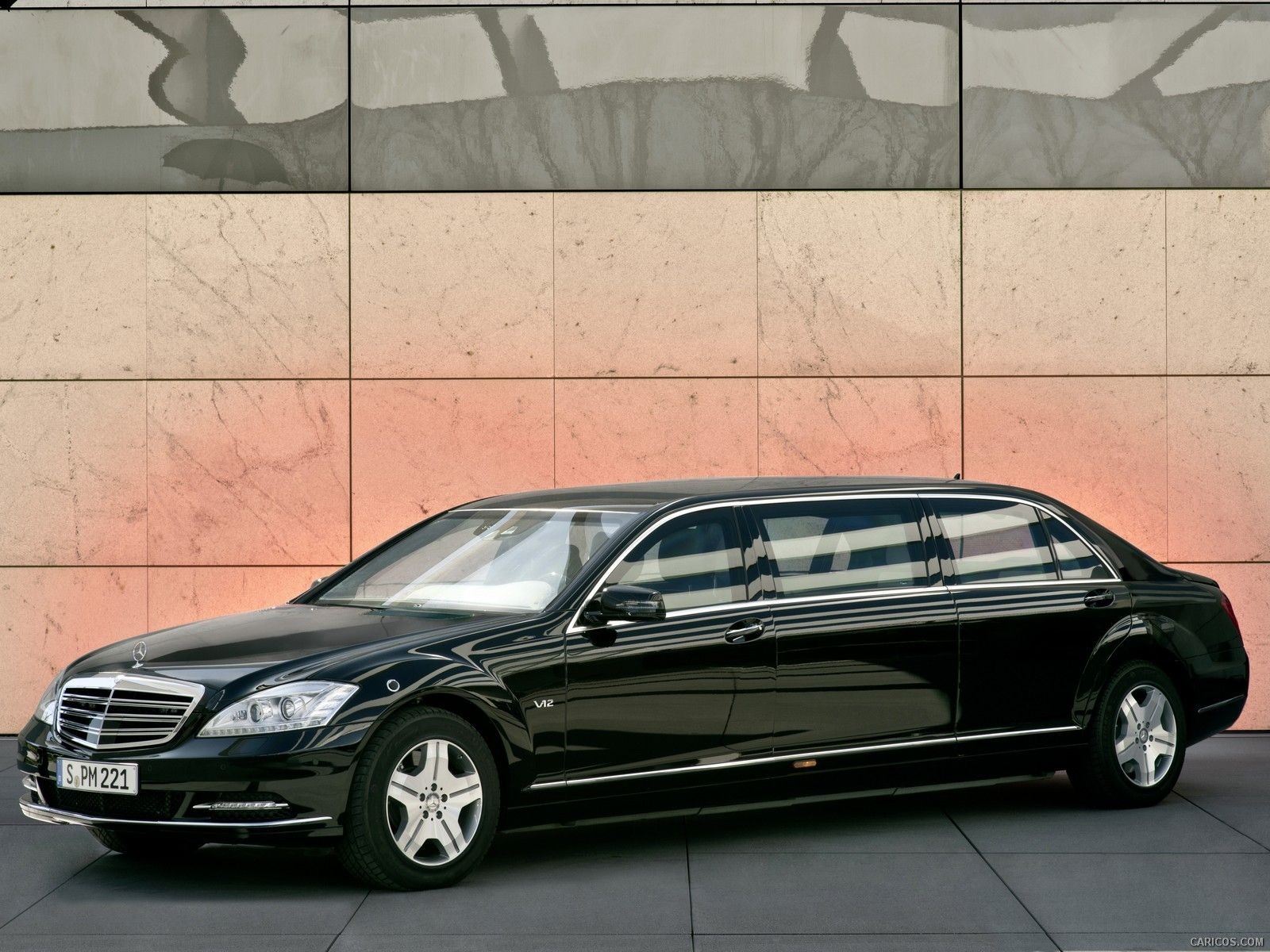 Mercedes benz s550 rental at global limos limos for Mercedes benz rental