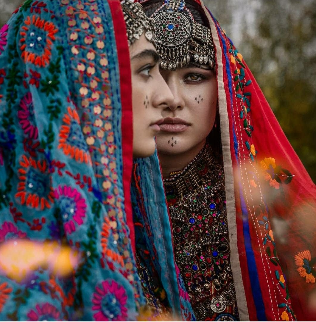 Pin By Hasa On Afghan Clothing And Jewelry Afghan Clothes Afghan Dresses Afghan Fashion