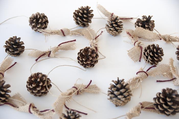 basteln mit zapfen 55 tolle diy dekoideen zu weihnachten weihnachtsbasteln pinterest. Black Bedroom Furniture Sets. Home Design Ideas