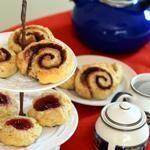Cinnamon Swirl Scones Panes: Muffins English Muffins Funnel Cakes Scones Doug ...