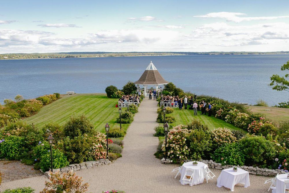 Maine Wedding Venues.Amy Chris Coastal Outdoor Maine Wedding At French S Point In