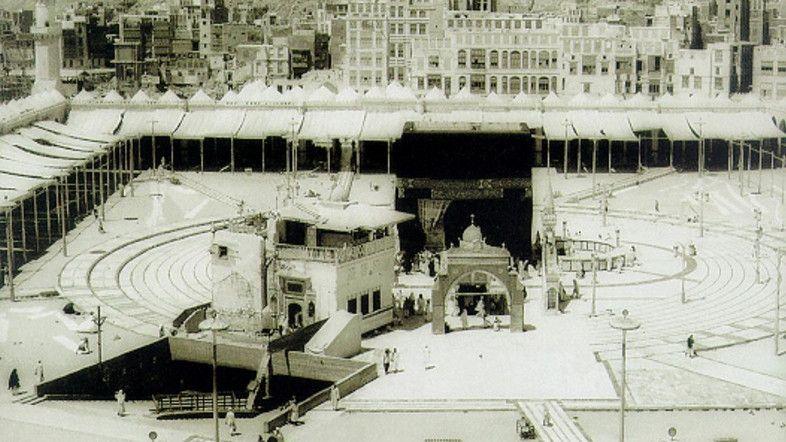 All You Need To Know About The Zamzam Well In Saudi Arabia Al Arabiya English Zamzam Well Islamic Heritage Masjid