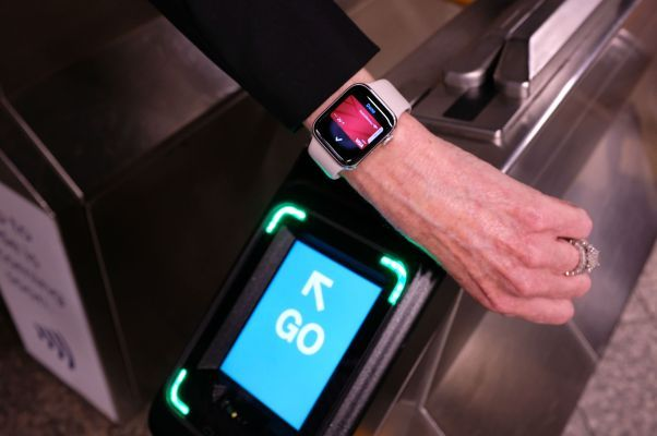 NYC's contactless subway turnstiles open today with Apple