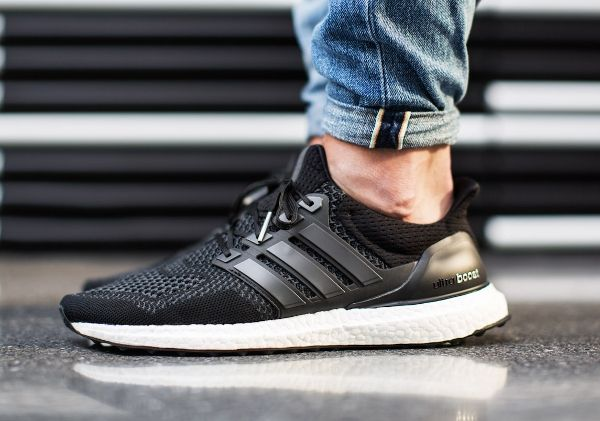 huge selection of bc0f3 9055d Adidas Ultra Boost Core Black (1)