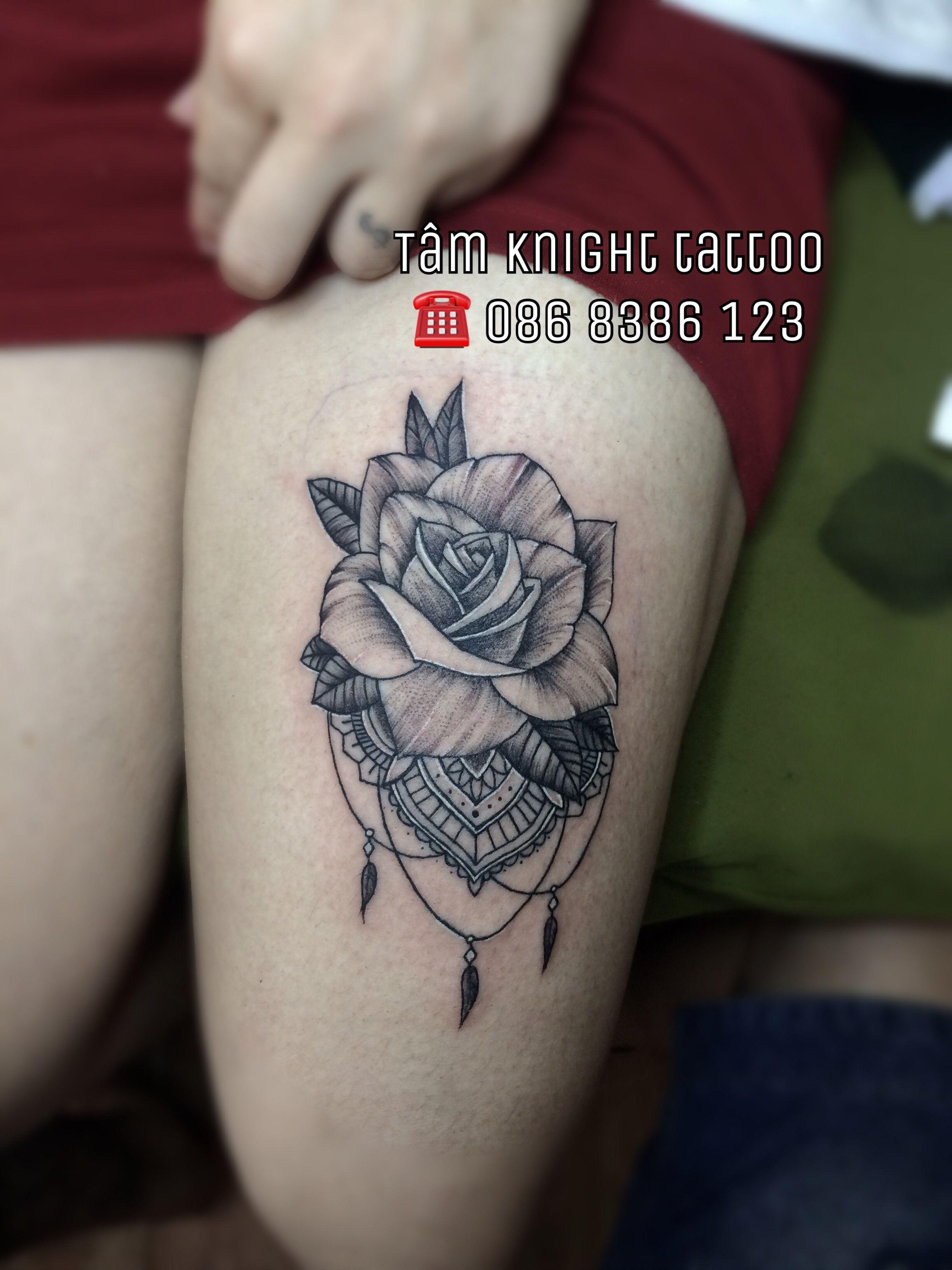 Hình xăm hoa hồng, hình xăm hoa ở đùi đẹp, hình xăm hoa văn , hình xăm hoa hồng đen trắng, hình xăm đẹp cho nữ, hình xăm tỉa hoa đẹp