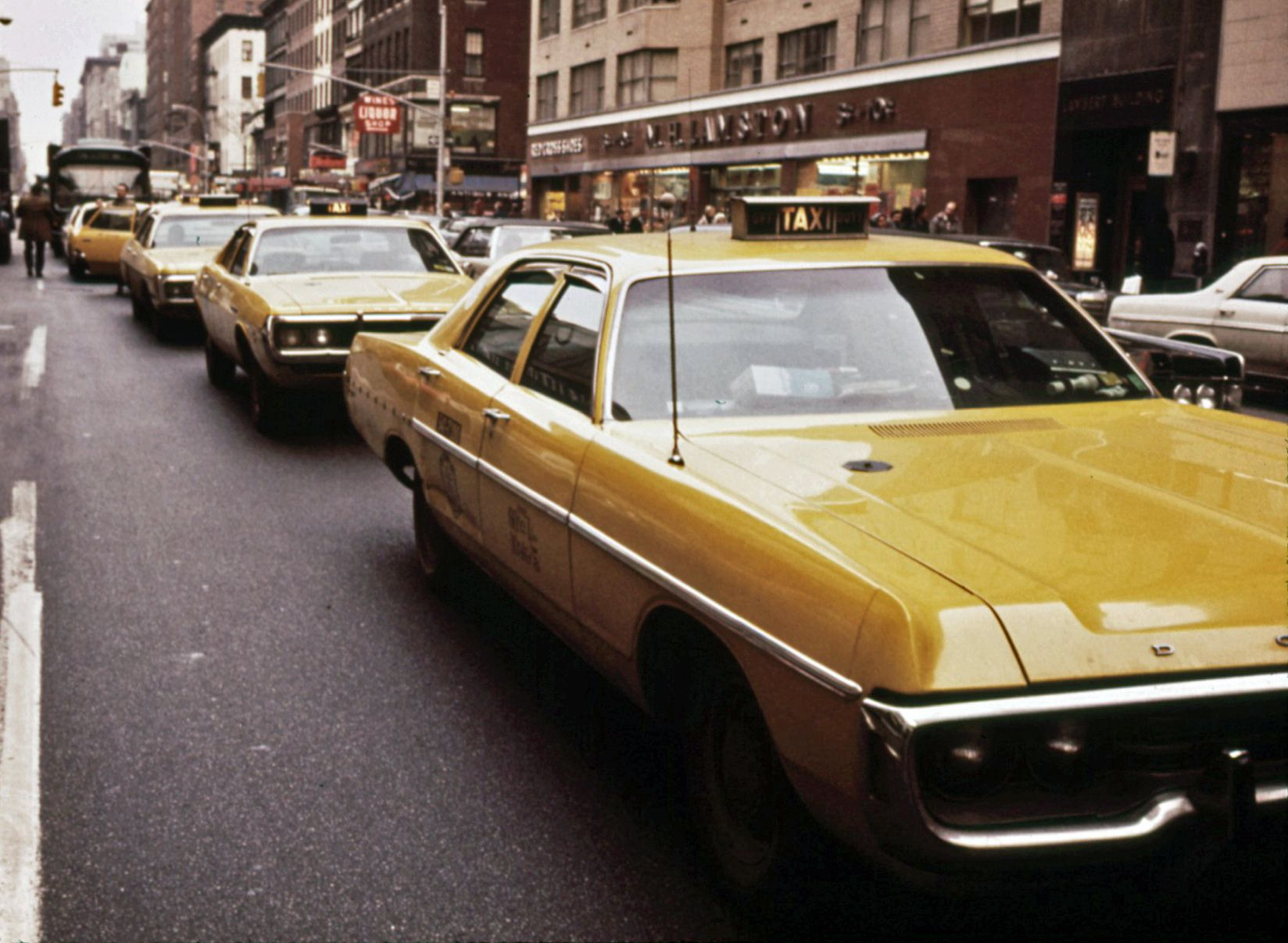Pin By Aristotle On Cars Taxi Cab Yellow Taxi Cab