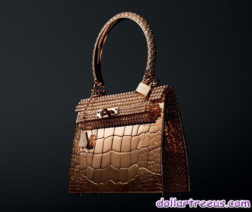 Hermes Kelly Diamonds Bag by designer Pierre Hardy took two years to complete,the handbag is made of 1,160 diamonds and selected alligator, with Hermes seiko skill, it has extraordinary value. At present, this Hermes Kelly diamond bag rose gold set limit to issues only 3, priced at € 1,500,000. However, compared to the leather Kelly Bag, this one is in the small size,designer says Kelly Limited Edition Diamonds bag is not a package to use, but similar to the bracelets to decorate