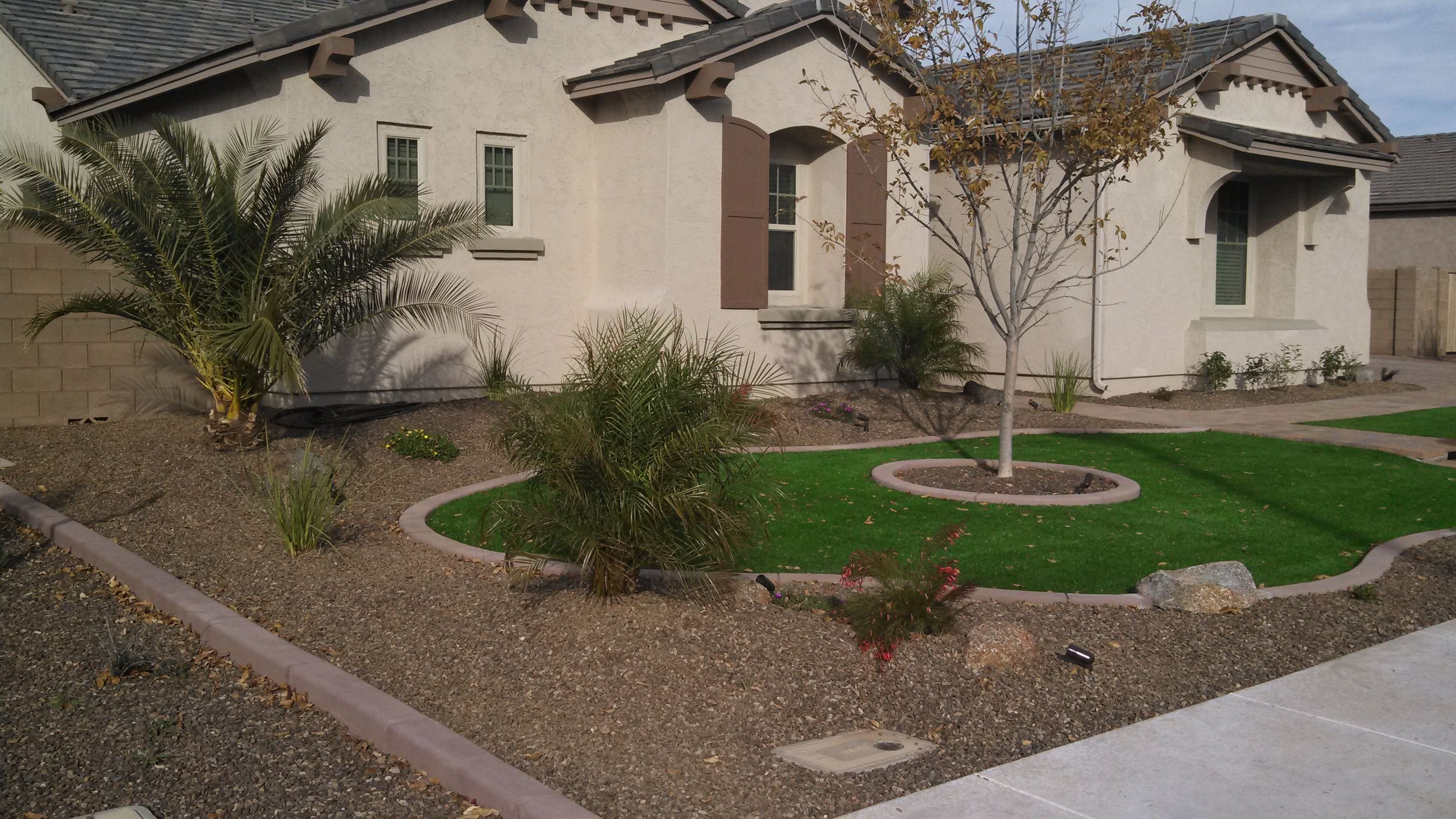 desert landscaping ideas with pavers and artificial turf ...