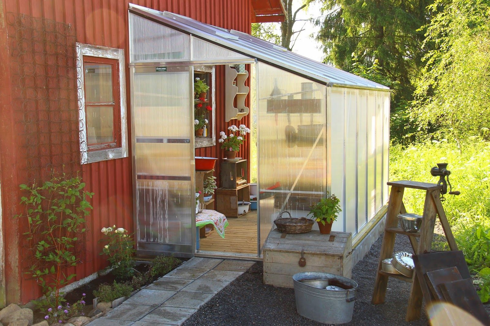 Ruusunmekko garden's greenhouse 'Kyökki' in June 2014.