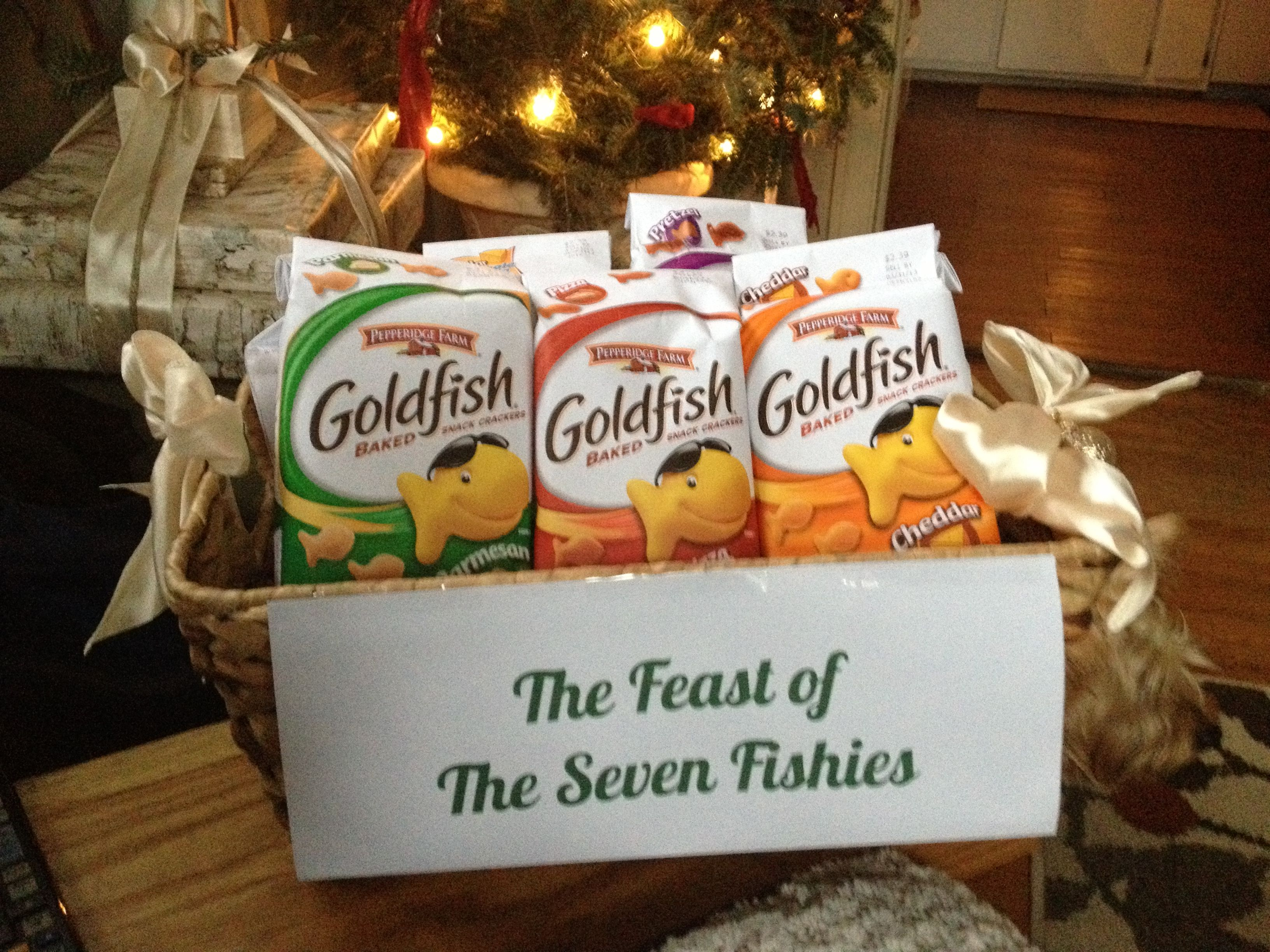 Seven Fishes Christmas.Feast Of The Seven Fishes Goldfish Celebrated December