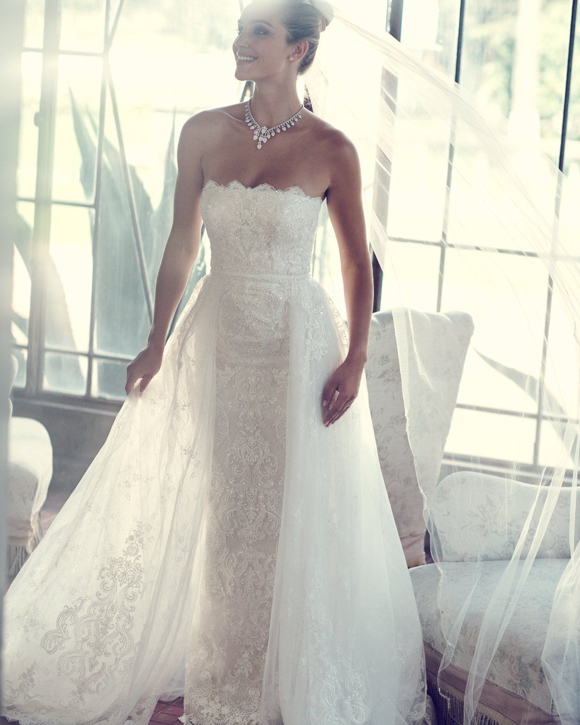 Traditional Wedding Gowns With Detachable Trains: Two Dresses In One! This Stunning Modern Yet Traditional