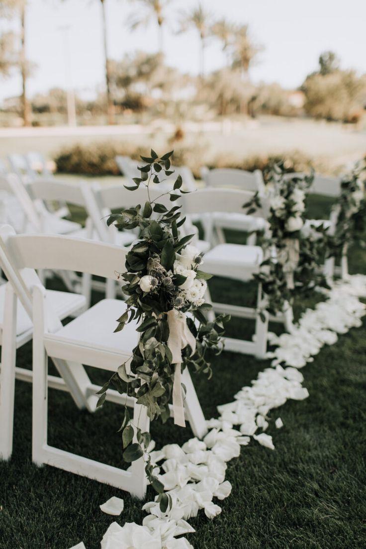Decoración de boda blanco-verde para una boda al aire libre, con vegetación y flores  – Boda fotos