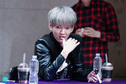 160424 UP10TIONYeongdeungpo FansigningHwanheeCr:  미니 메이트  Do not edit