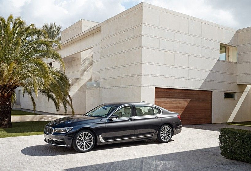 BMW 7 series redefines luxury with modern styling http