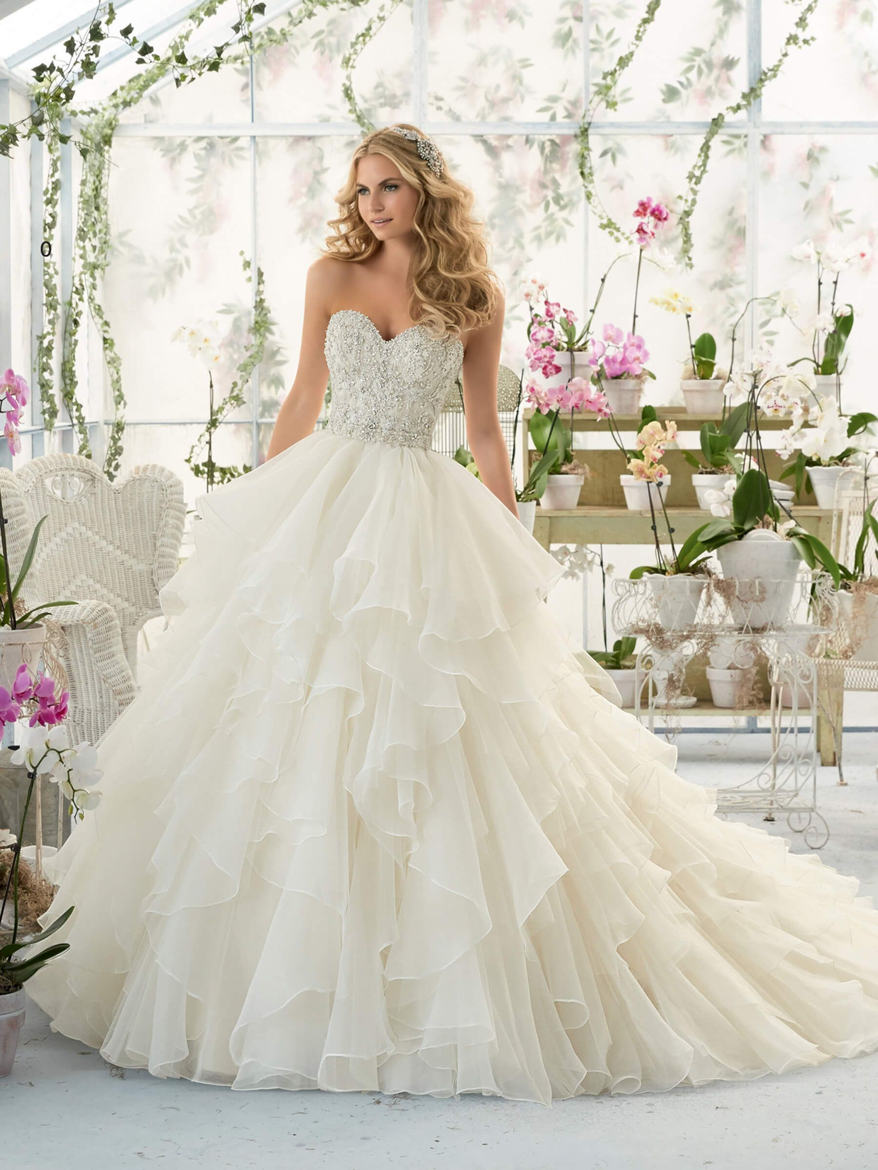 Mori lee wedding dresses discontinued styles  Méret  alakítható ra re  Wedding and stuff  Pinterest
