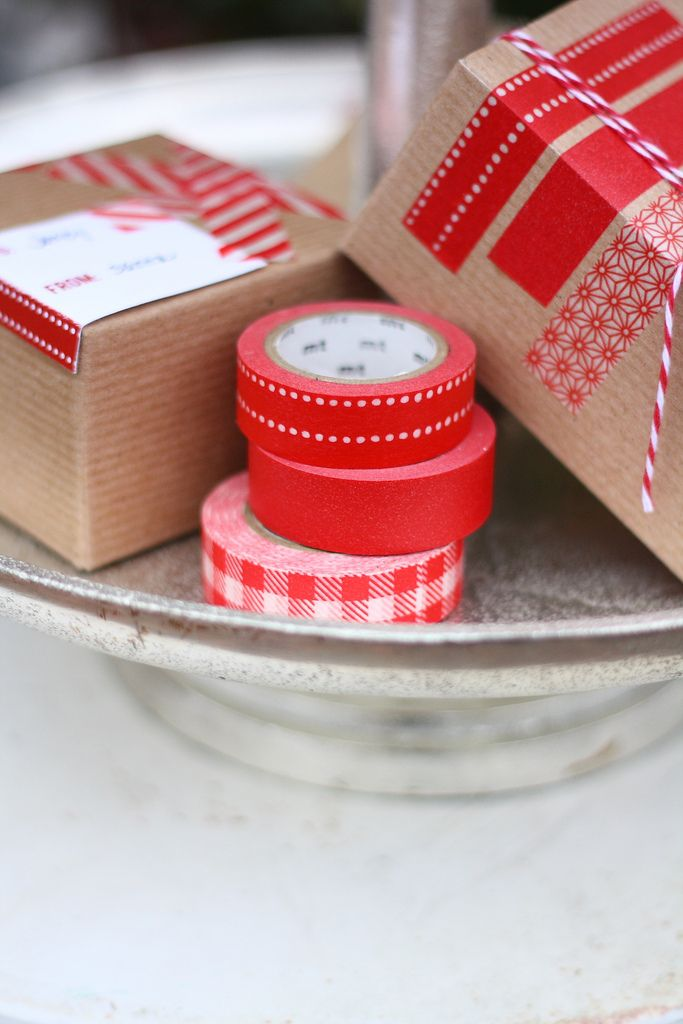 Washi tape gift wrapping inspiration and cute printable gift tags