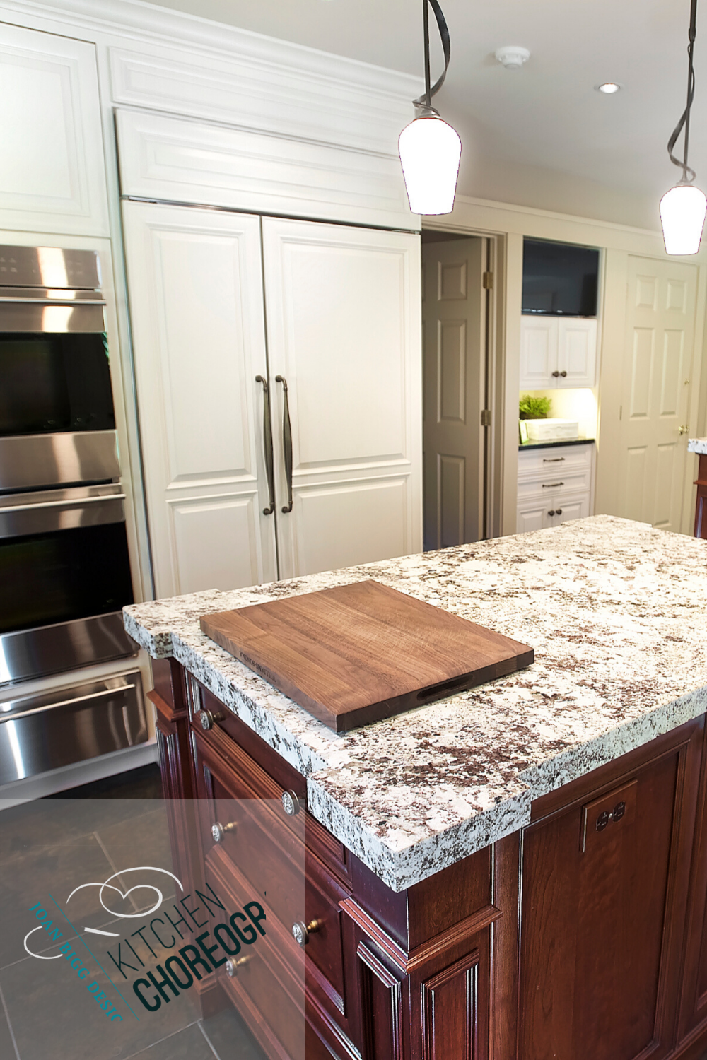 Cream And Maple Kitchen Cabinets In 2020