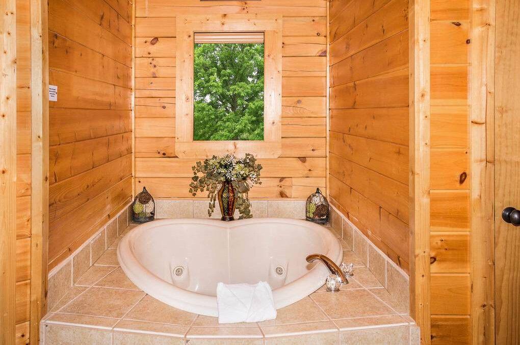 The Smoky Pines 2 Bedroom Cabin Rental Cabin Rentals Cabin Smokies