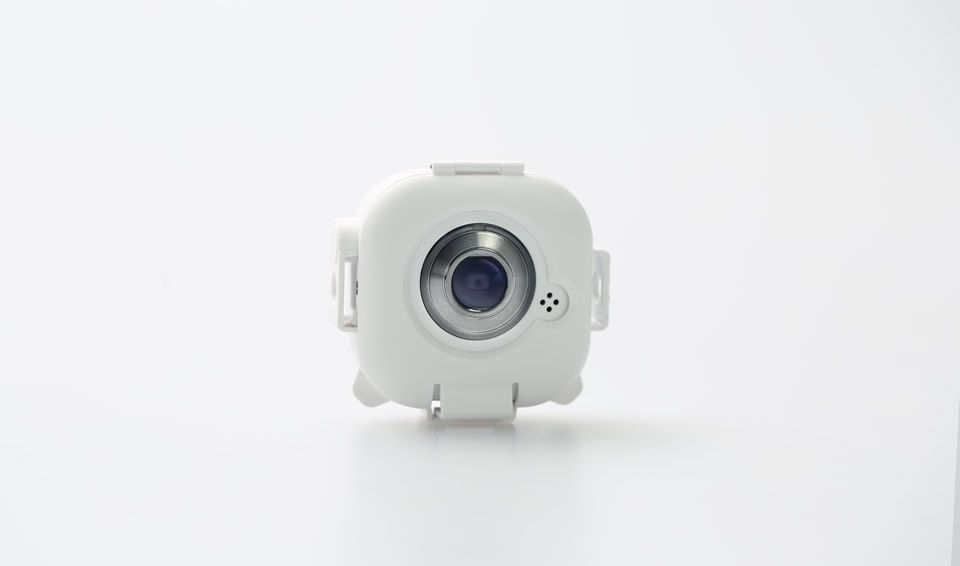 With the app installed on your phone, you can control the camera remotely giving you a FPV (First Person View) through the camera's lens. #drone #uav #phantom #fc40