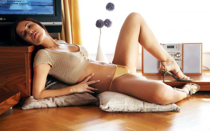 Satin bloom sofa sex | Porno photos)