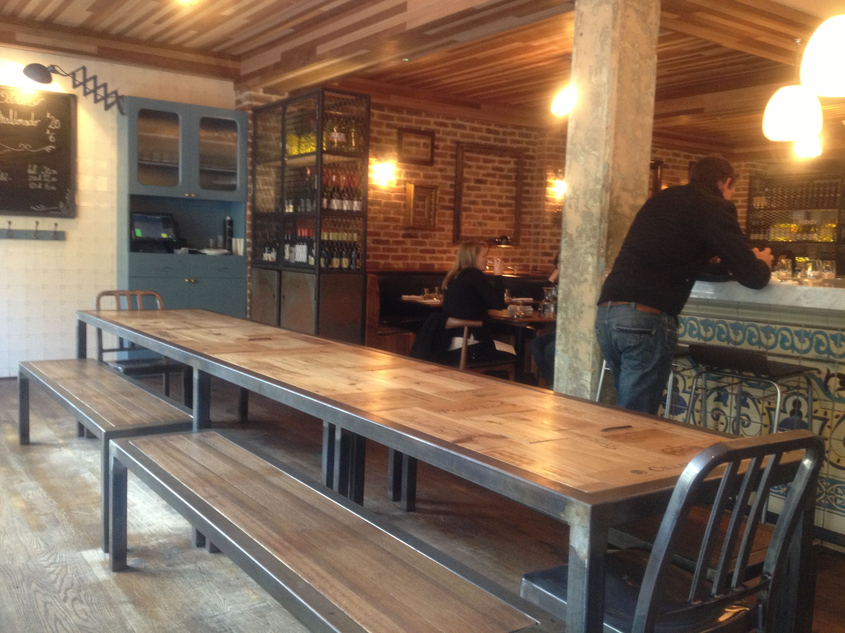 Restaurant Kitchen Table people at bar table - buscar con google | bars | pinterest