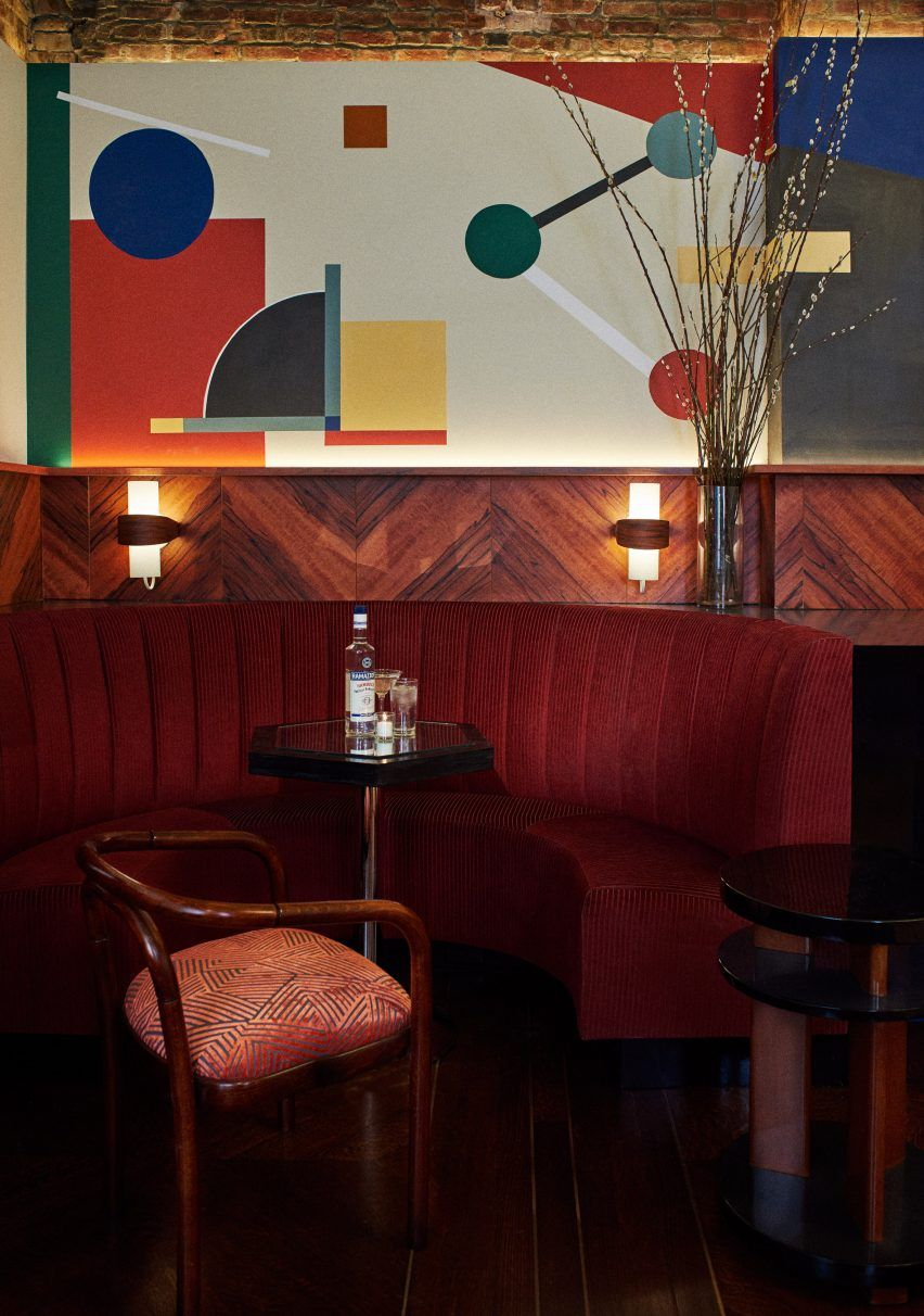 Camilla Deterre Blends 20th Century Design Styles At Primo S Bar In Tribeca Restaurant Furniture Cafe Design Interior