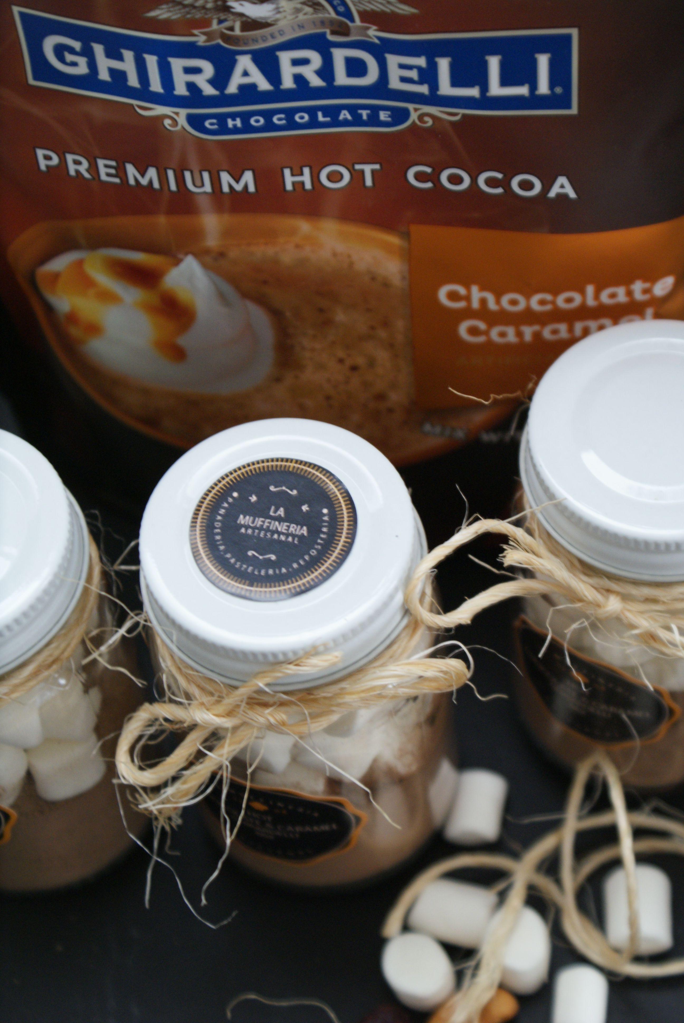 Hot cocoa chocolate & caramel Ghirardelli mix www.facebook.com/lamuffineriareposteriaoficial hand made, marshmallows, black tags.