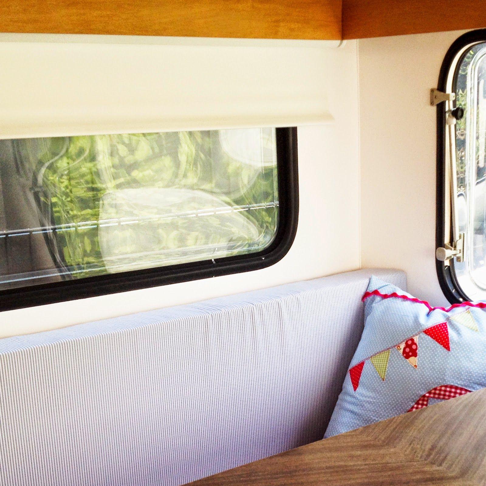 jetzt wird 39 s gem tlich neue polster und rollos knaus. Black Bedroom Furniture Sets. Home Design Ideas