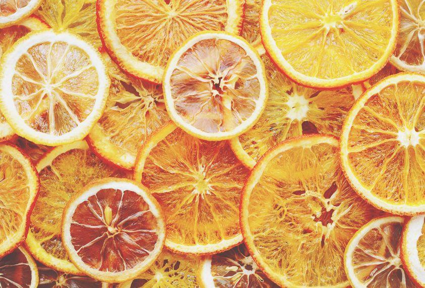 Faire Secher Des Agrumes Permet D Obtenir Des Saveurs Subtiles Et Intenses A Fruit Confit Deshydrateur Alimentaire Agrumes