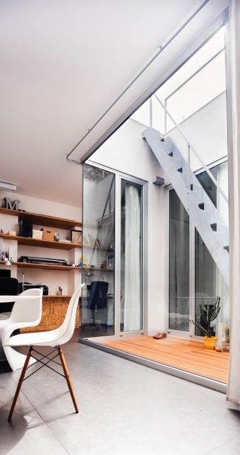 CasaStudio manuarino. studio apartment, OSB shelves, metal floor ...