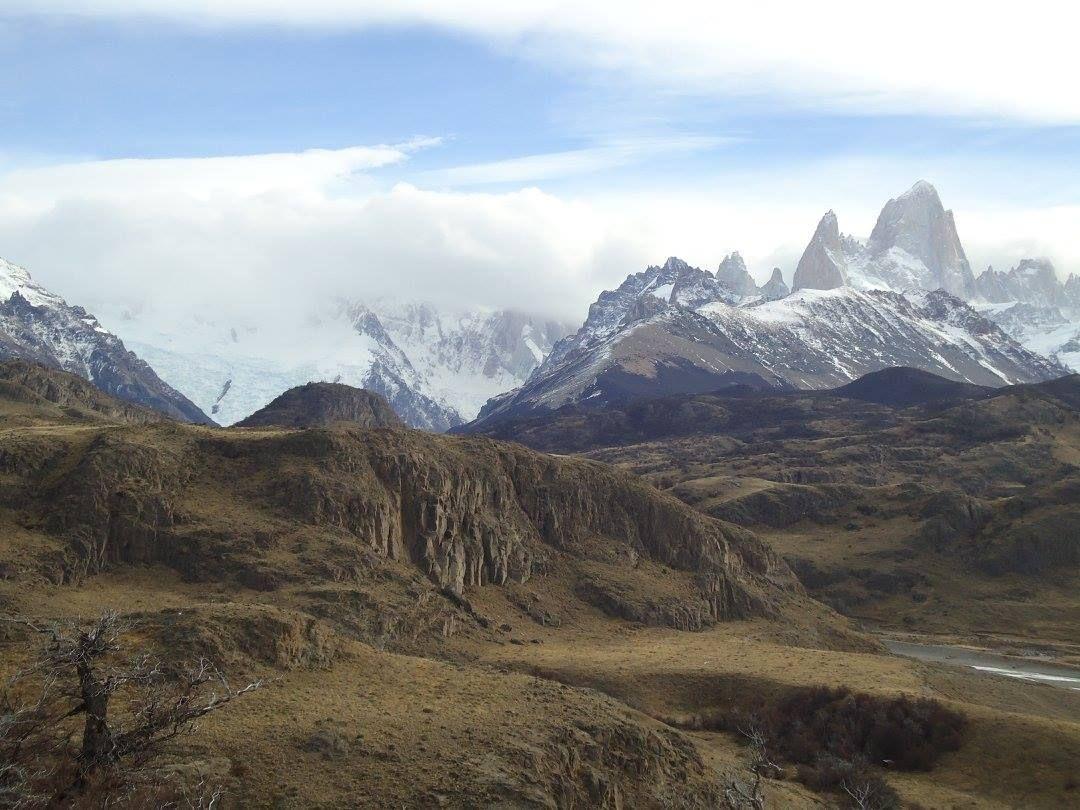 CHALTEN, pueblo a 300Km del Calafate.- - MONTE FLITZ ROY  ..El Calafate, Cdad. ubicada en  ribera meridional del lago ARGENTINO, Reg. Patagonia,  Provc.Santa Cruz, Argentina, a80 km de glaciar Perito Moreno-