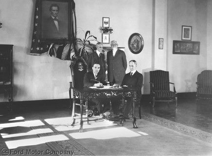 February 4 1922 Ford Buys Lincoln Henry Ford Standing Left And His Son Edsel B Ford Seated Left Purchase The Lincoln Motor Company Lincoln Motor Ford