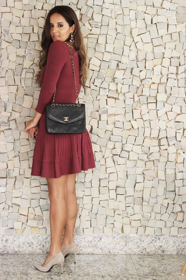 Look da Camis: Vestido Primart Bolsa Chanel Brinco Pret-a-Porter Scarpin Schutz