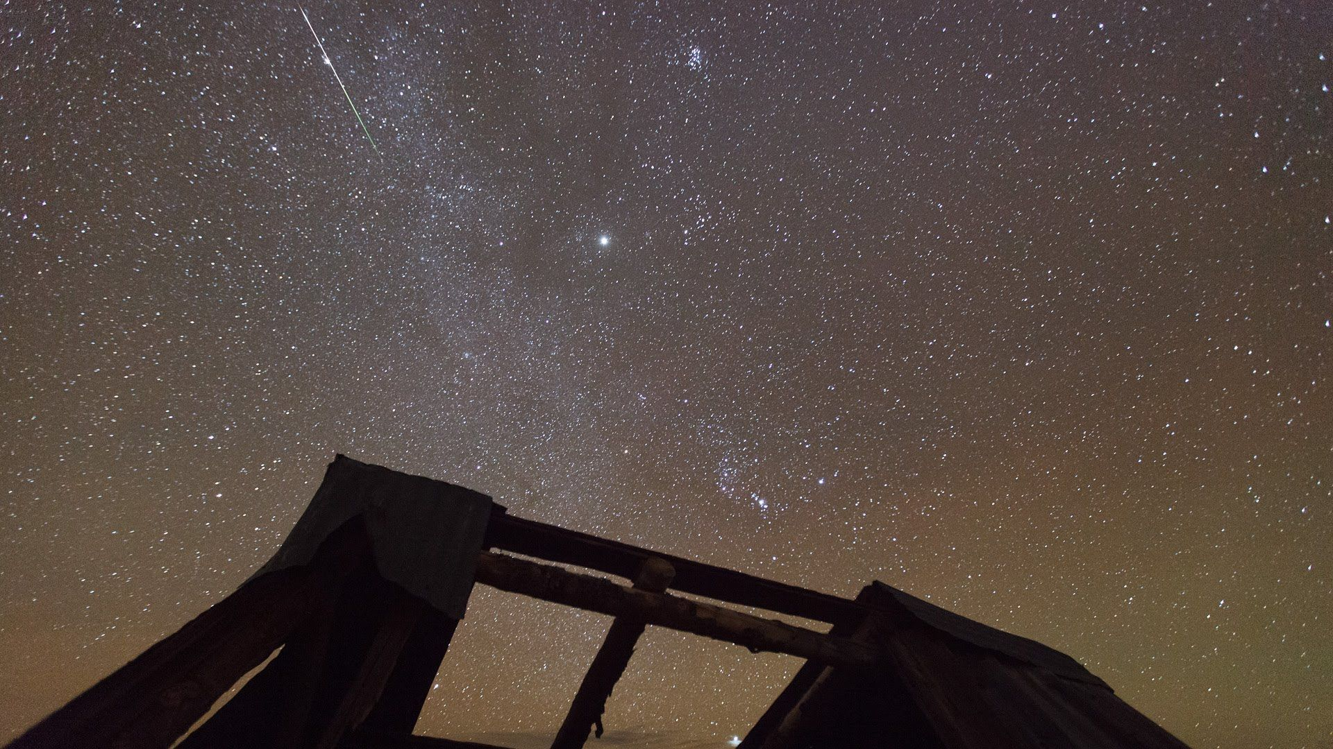Orionid Meteor Shower Actually Footage Begins At 2 18