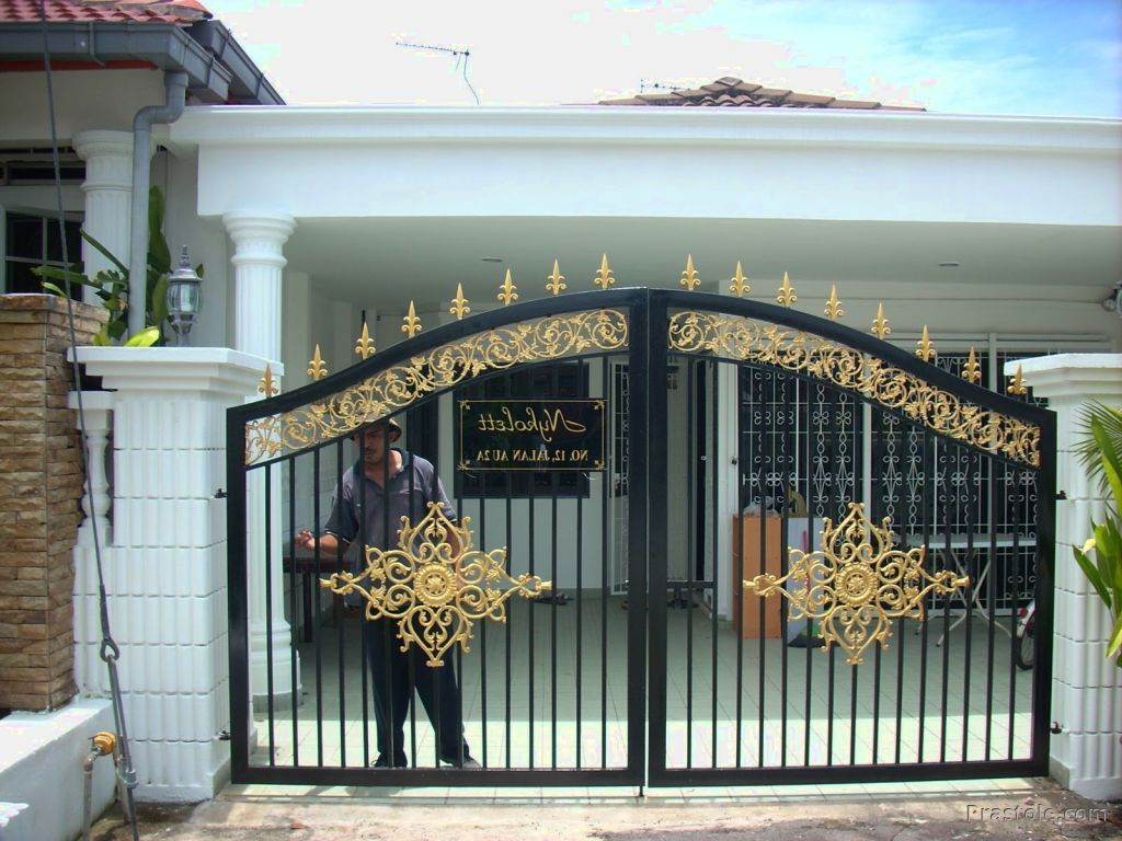 Simple Gate Design For Small House For House Protection Photographs Front Gate Design Door Gate Design House Gate Design