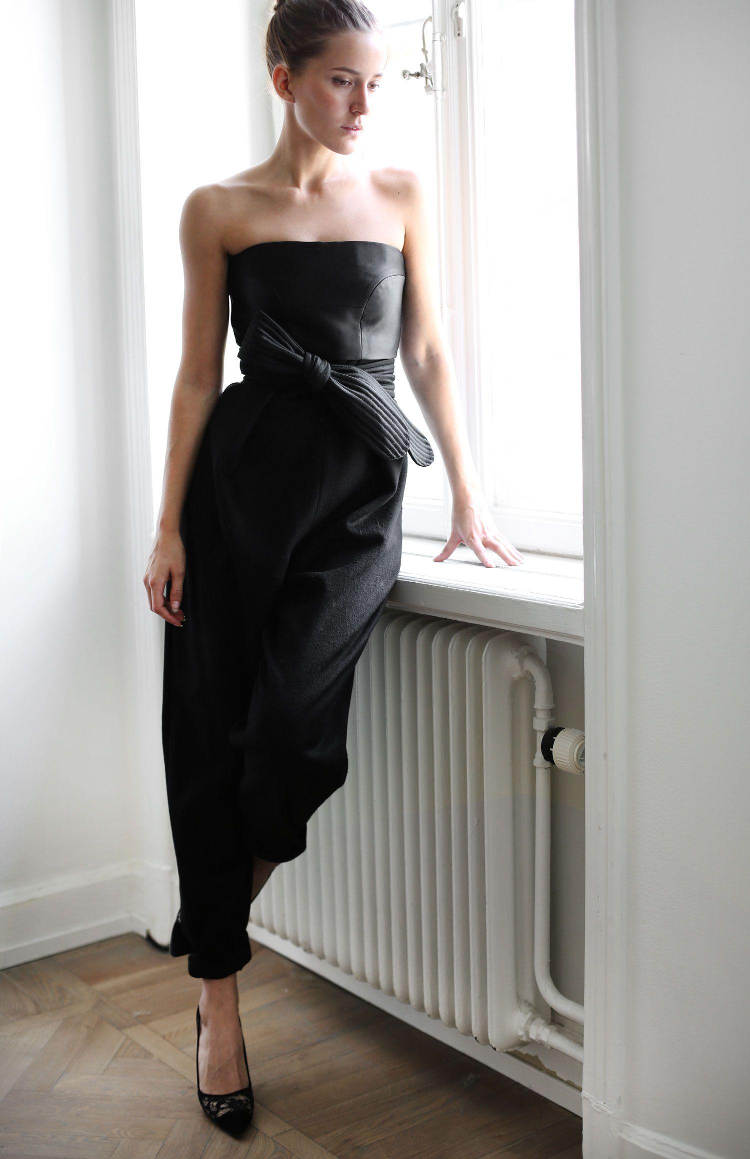 black strapless classic la petite robe noire pinterest mode robe noire et style. Black Bedroom Furniture Sets. Home Design Ideas