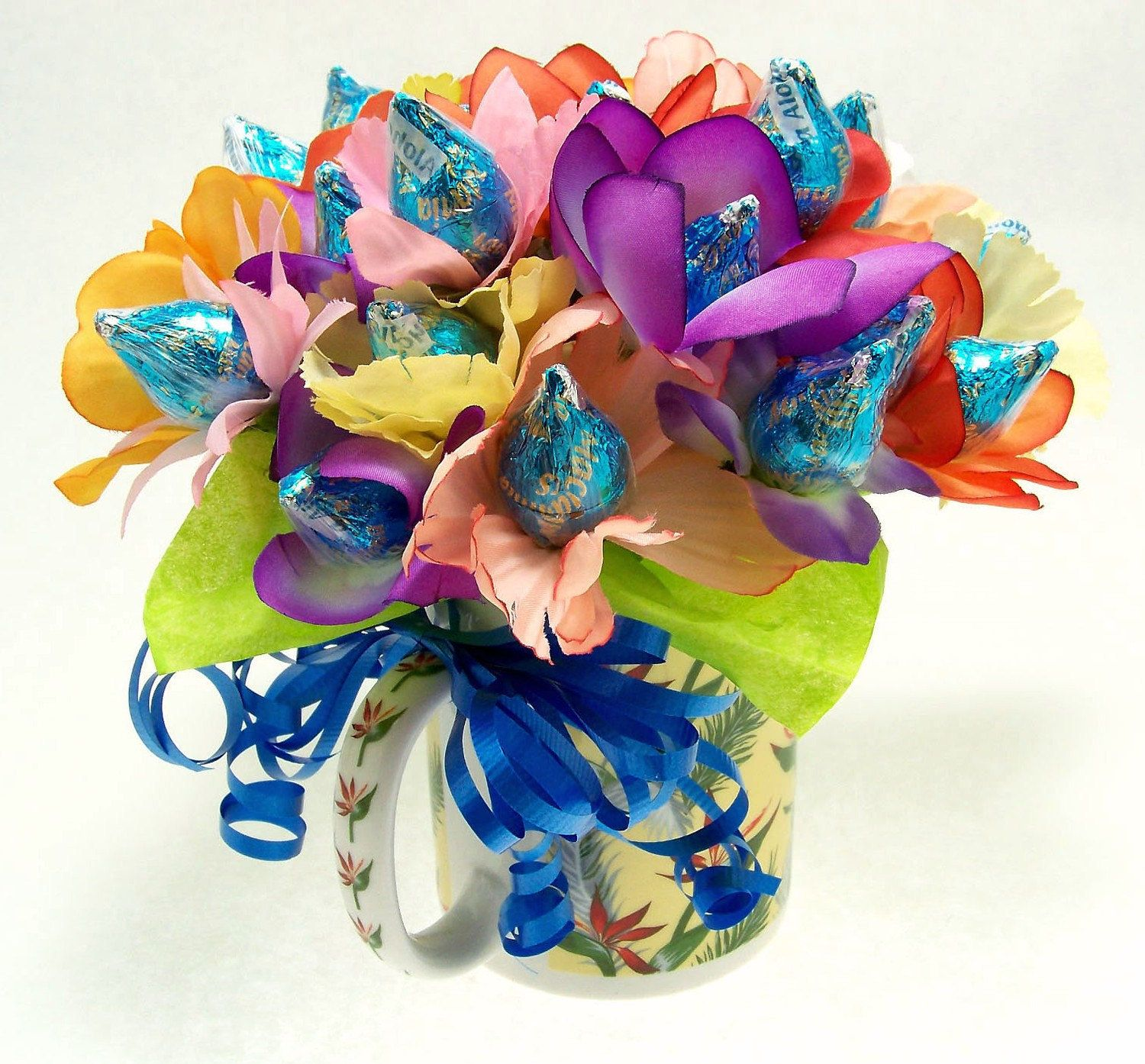 Chocolate bouquet on pinterest candy flowers bouquet of chocolate - 24 Stems Floral Candy Bouquet