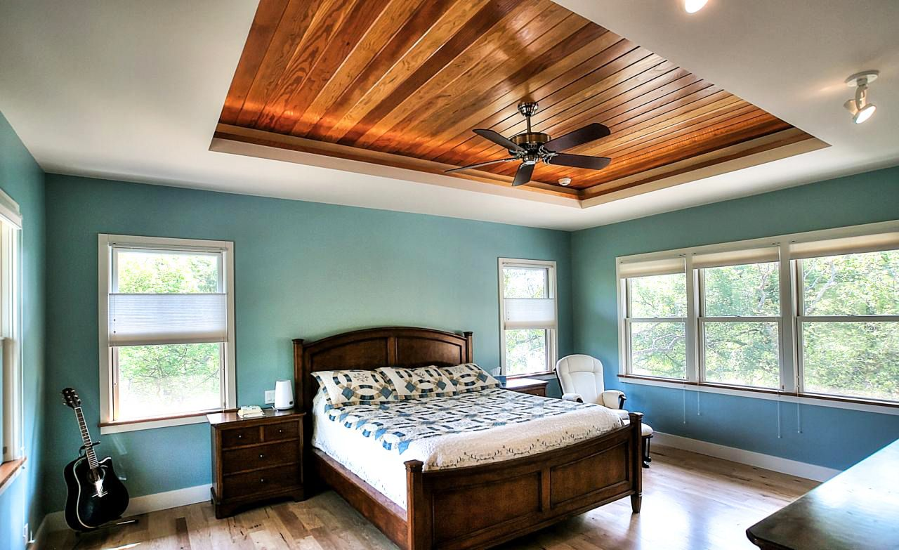 Tray Ceiling Bedroom Ideas And Wood Ceiling Ideas For Bedroom Ceiling Design In Simple Modern Bedroom Desi Simple Bedroom Bedroom Design Ceiling Design Bedroom