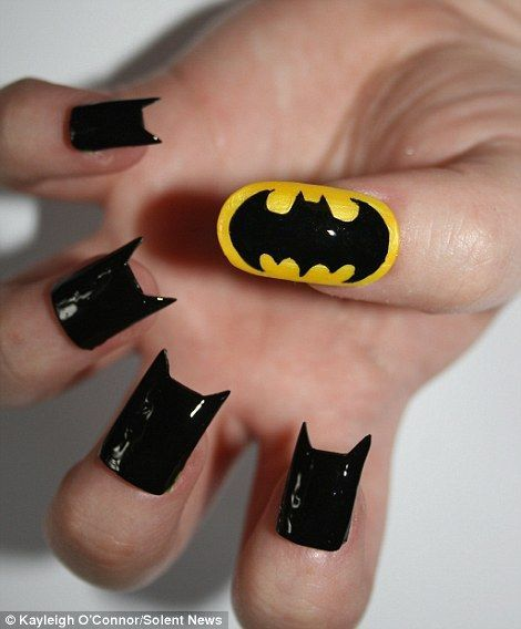 Nail art? Chama o Batman! - As Nail Arts Mais Esquisitas De Todos Os Tempos Batman, Batman