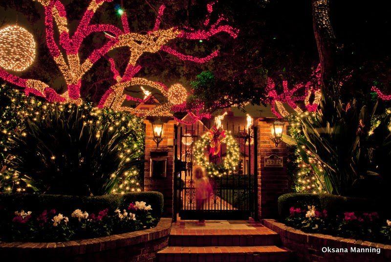 Christmas Lights At River Oaks, Houston, TX