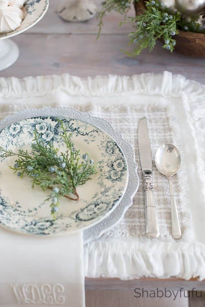 Photo of French Country Farmhouse Christmas – Style In Blue – shabbyfufu.com