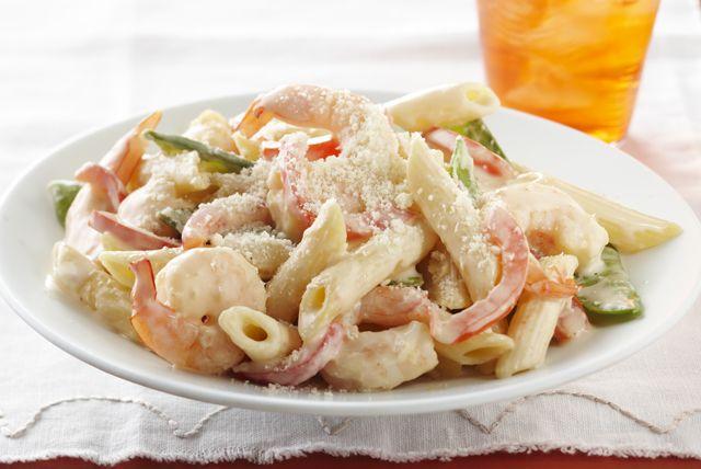 Un cremoso platillo de camarones deliciosamente simple que está repleto de sabor pero que no rellenará tus caderas.
