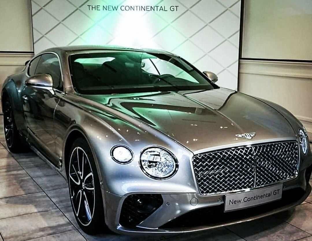 2019 Bentley Continental GT: Silber
