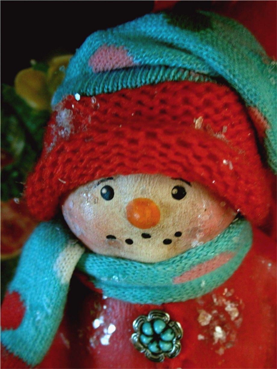 Snowgirl in red