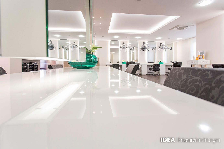 Die offene Architektur lässt Luft zum atmen und genügend Freiraum für eine dynamische Arbeitskultur. www.idea-firseure... #hair #beauty #salon #furniture #design #idea #friseureinrichtung #friseur #Einrichtung #wellness #luxury #hairdresser #spa