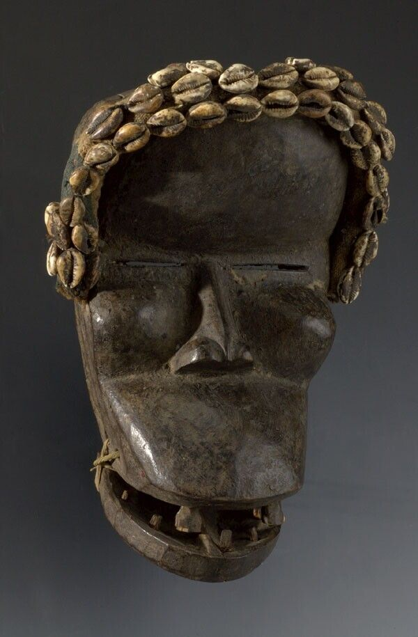 Wooden mask [...], West-Africa. Museon, CC BY