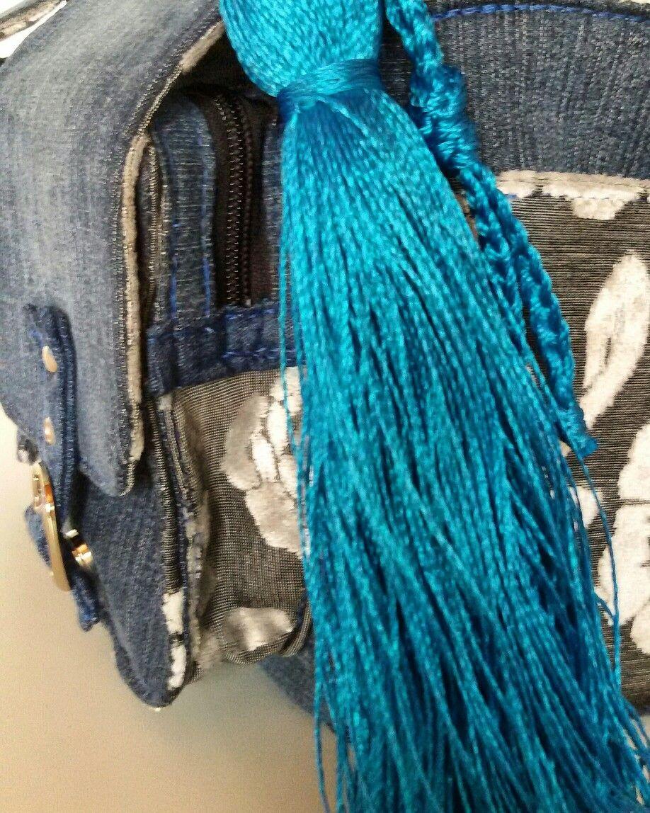 Feita em jeans reutilizado https://m.facebook.com/bolsariadadri/?ref=bookmarks